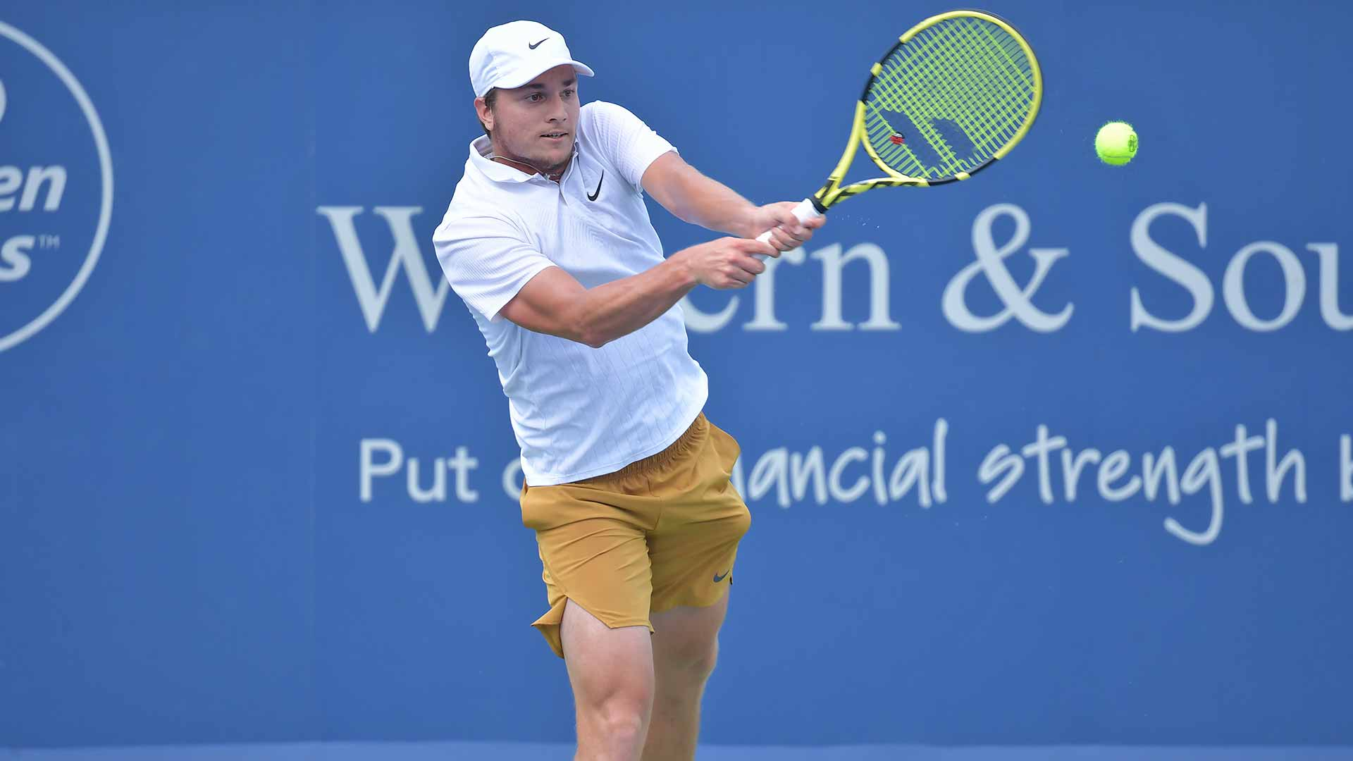 Miomir Kecmanovic improves to 1-1 against the Top 10 on Wednesday in Cincinnati.